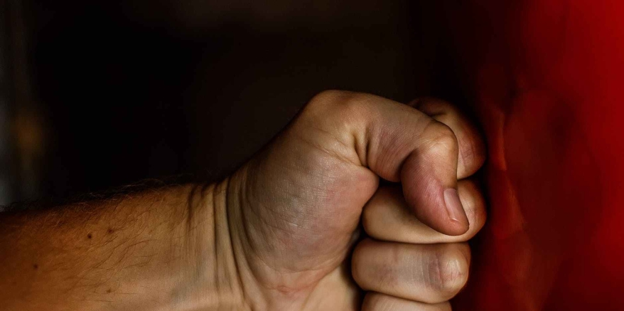 fist-blow-power-wrestling-163431-e1538157849583.jpeg
